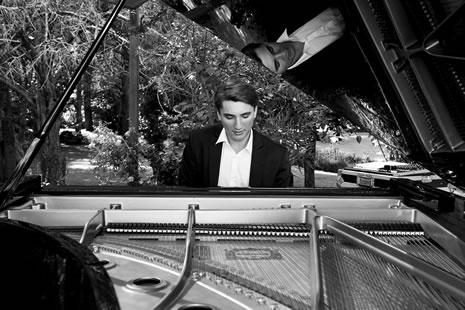 Die Jazzinitiative präsentiert: Marc-Olivier Poingt Trio (Agen) //  Samirah Al-Amri & Ronnie Waldmann Pelach (Arad) // Ralf & Julian Bazzanella (Dinslaken)