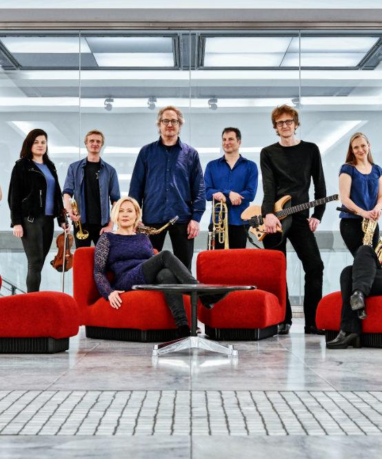 FUCHSTHONE Orchestra – Die gekauften Tickets behalten für diese Termine ihre Gültigkeit.