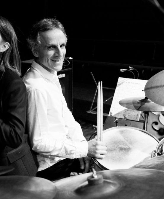 Die Jazzinitiative präsentiert: Karolina Strassmayer & Drori Mondlak KLARO! Ortsänderung!! Aula Ernst-Barlach-Gesamtschule
