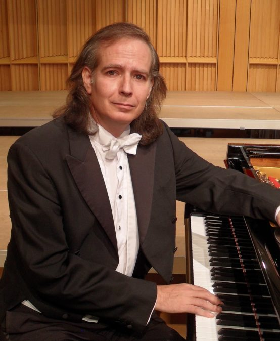Meisterpianist Menachem Har-Zahav spielt Chopin